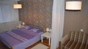 Brest Centre 2 + 2 +  2 +  1, 2 lodgings